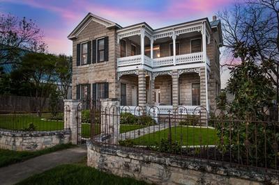 102 W. Austin St.