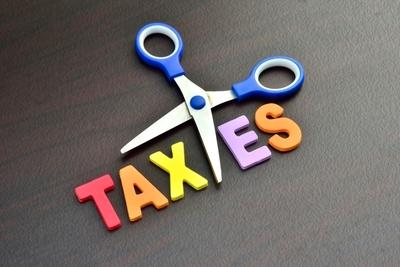 Medium shutterstock taxes cut scissors
