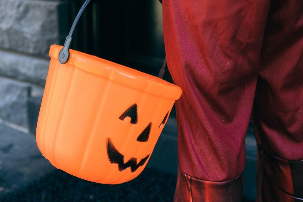 Halloween trick or treat pumpkin bucket2