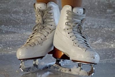 Medium ice skates(1000)