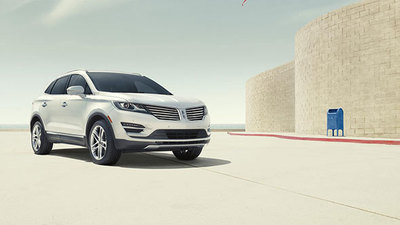 The dramatic and crisp body of the MKC is accentuated by the winged grille
