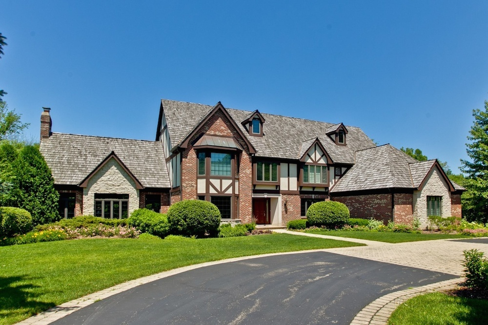 1400 Arbor Lane, Lake Forest sold for $1.12 million earlier this month.