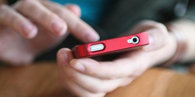 Medium phone 1280