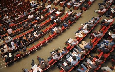 Medium auditorium(760)
