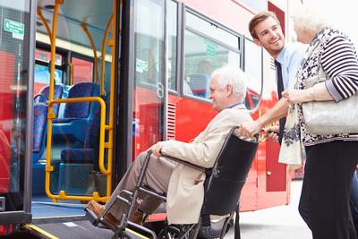 Medium elderlybus