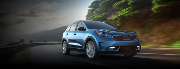 Kia crossover combines efficiency and power.