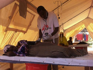 DWB opens treatment centers for cholera in Kenyan refugee camps.