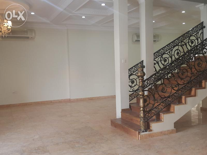 A five bedroom villa is available in Saar right now.