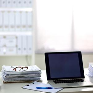 Medium deskphoto