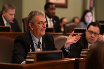 Illinois state Rep. Tom Bennett (R-Gibson City)