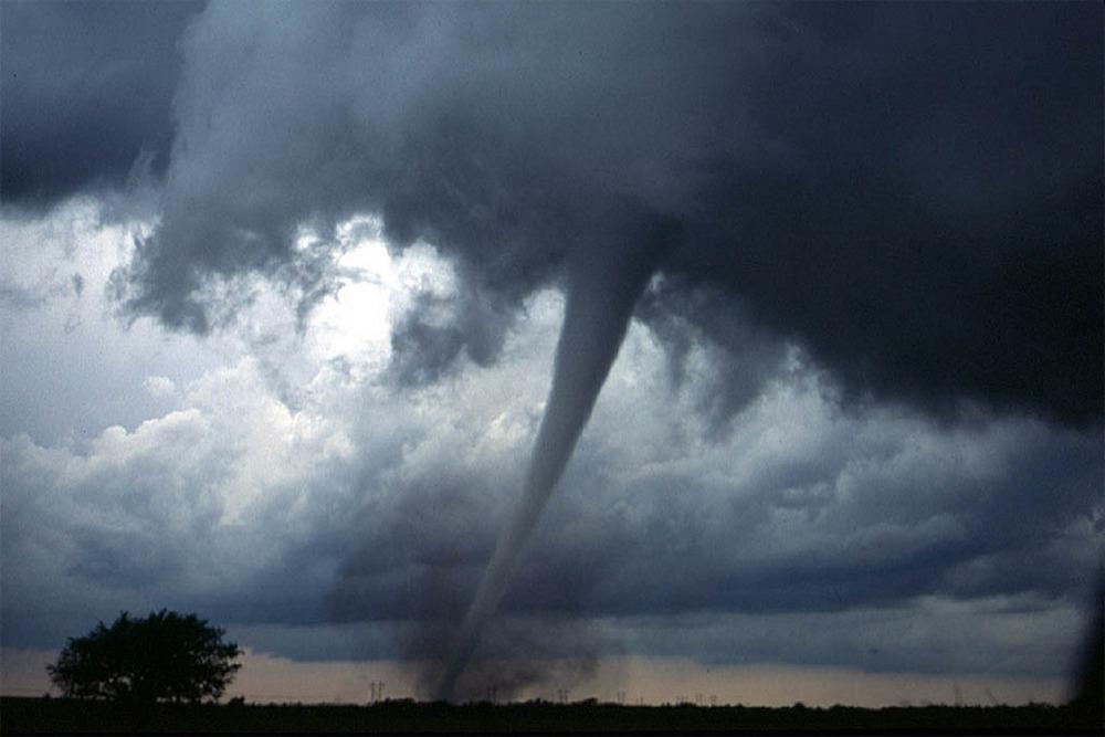 Tornado(1000)