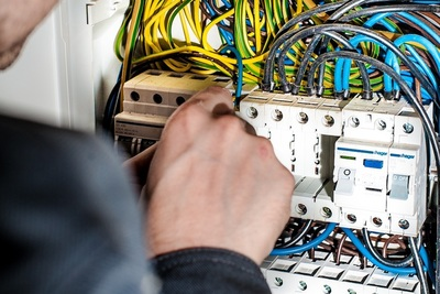 Medium electrician(1000)