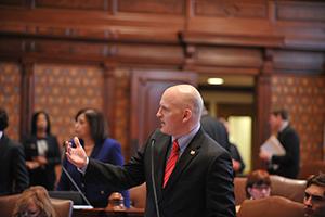 Kotowski sponsors bill funding Illinois' Monetary Award Program.