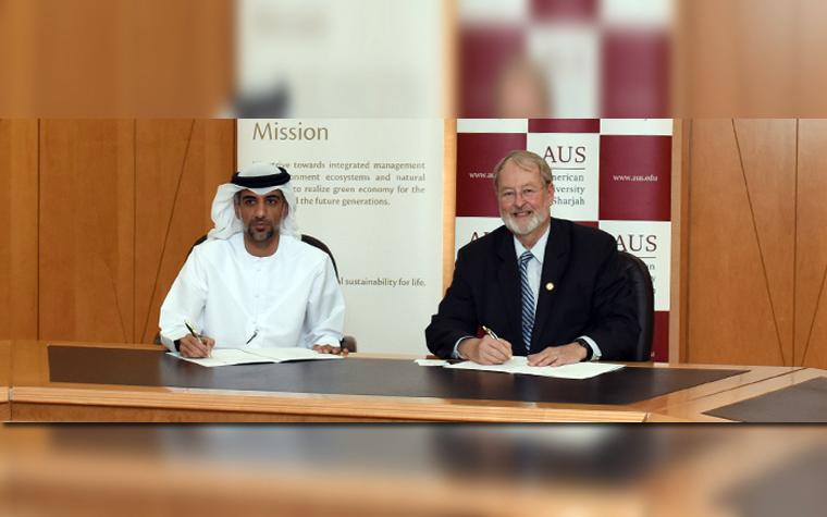 UAE Ministry of Environment and Water Undersecretary Abdulrahman Al Hamadi  (left) and American University of Sharjah  Bjorn Kjerfve.