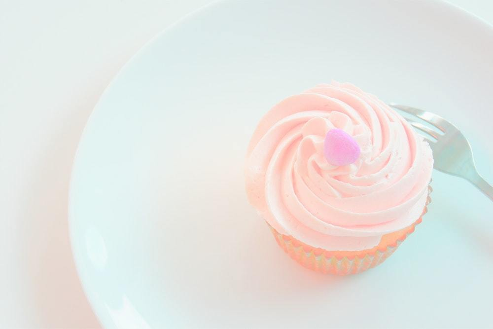 Cupcake Addict offers fresh cupcakes daily and a rotating menu each month for flavors.