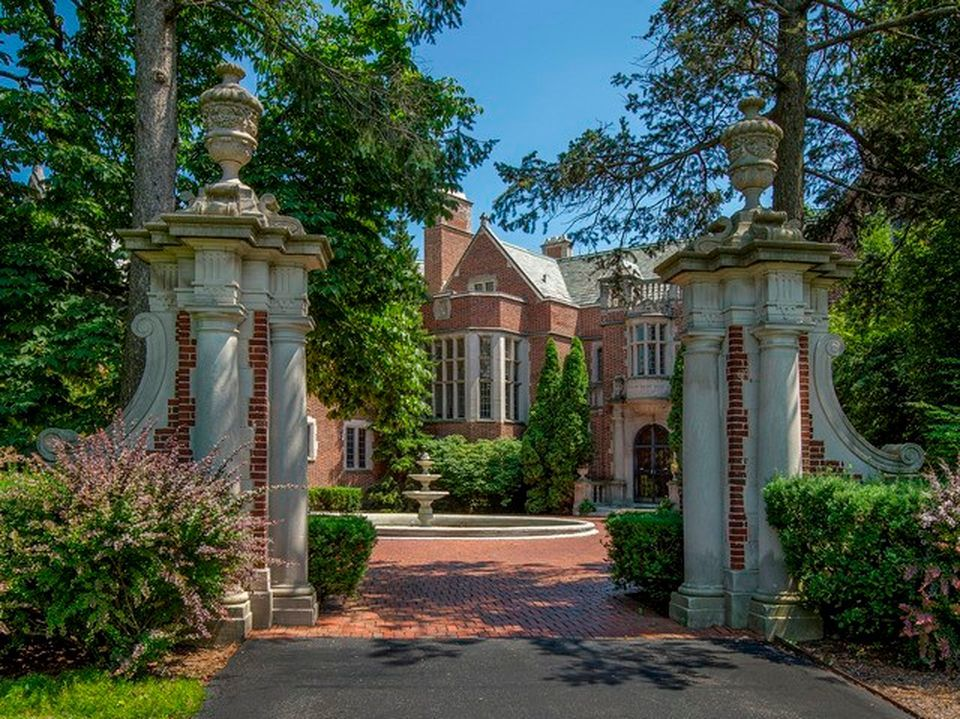 The Schweppe Estate, 405 N. Mayflower Road in Lake Forest, has a property tax bill of nearly $150,000. It has been for sale for a decade.