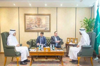 Source: Chairperson of the Council of Saudi Chambers (CSC) Eng. Ahmed Al Rajhi received in his office the Ambassador of Russia to Saudi Arabia, Sergei Kozlov, where the two discussed ways to foster trade and economic relations between the two countries.