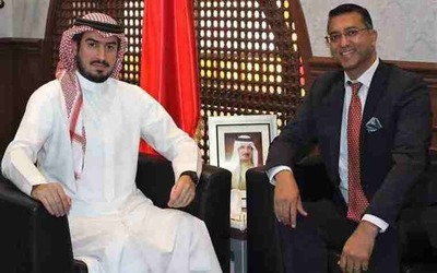 Source: The Chief Executive Officer of the Bahrain Tourism and Exhibition Authority (BTEA), H.E. Shaikh Khaled bin Humood Al Khalifa, received the CEO of Bahrain Bay, Mr. Gagan Suri, at his office.