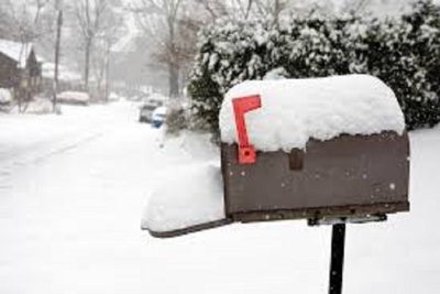Medium mailboxsnow