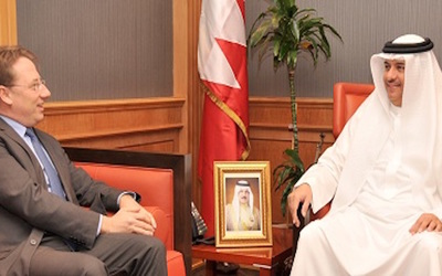 Bahraini assistant foreign minister meets with French diplomat to discuss bilateral relations
