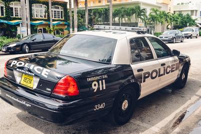 Medium policecar67
