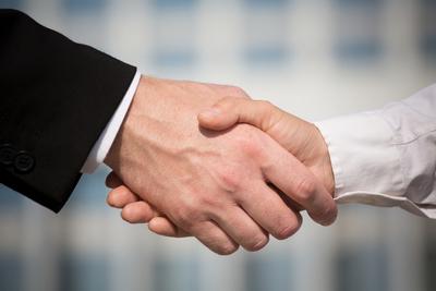Medium handshake851