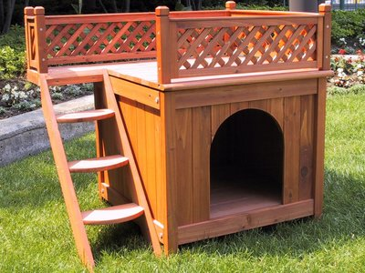 The Merry Pet MPS002 Wood Room with a View Pet House is made from kiln-dried cedar.