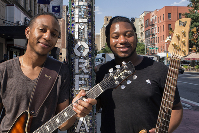 Brothers Glenn (left) and Alex Peterson form a duo that has excited audiences across the country.