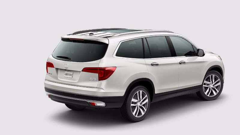 The 2018 Honda Pilot has a number of safety features to take some of the stress out of driving.