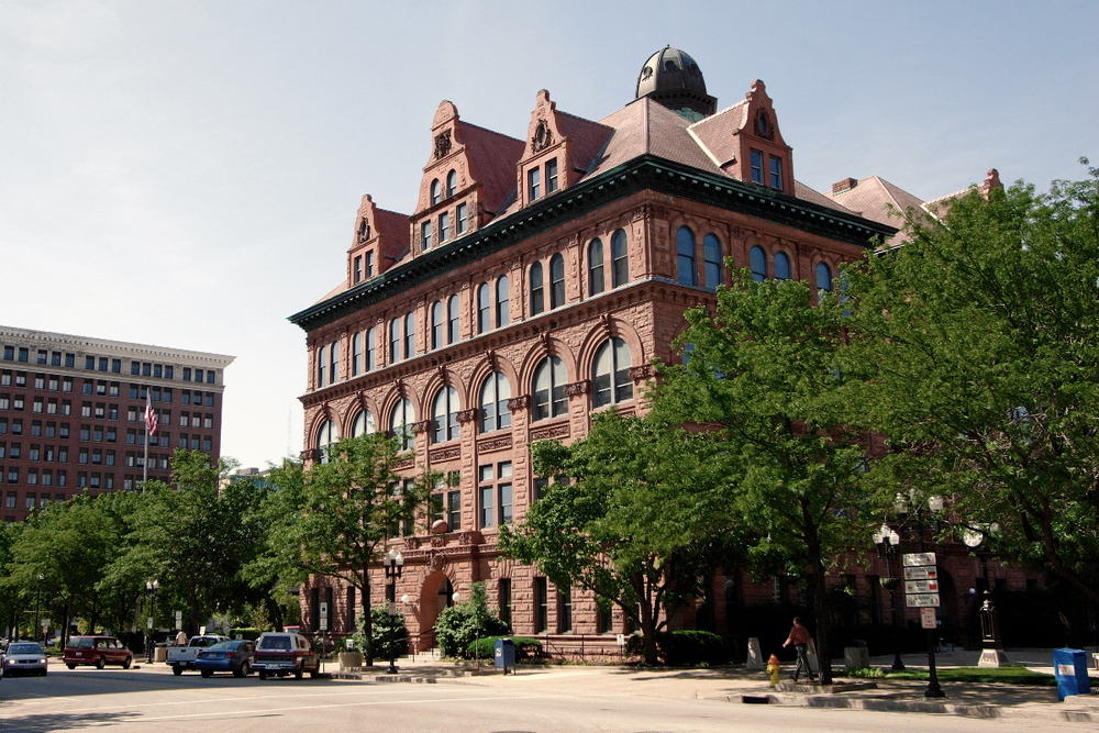 Peoria's city hall, a city in which residents are projected to pay an additional $35M in income taxes this year
