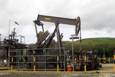 Medium oil well