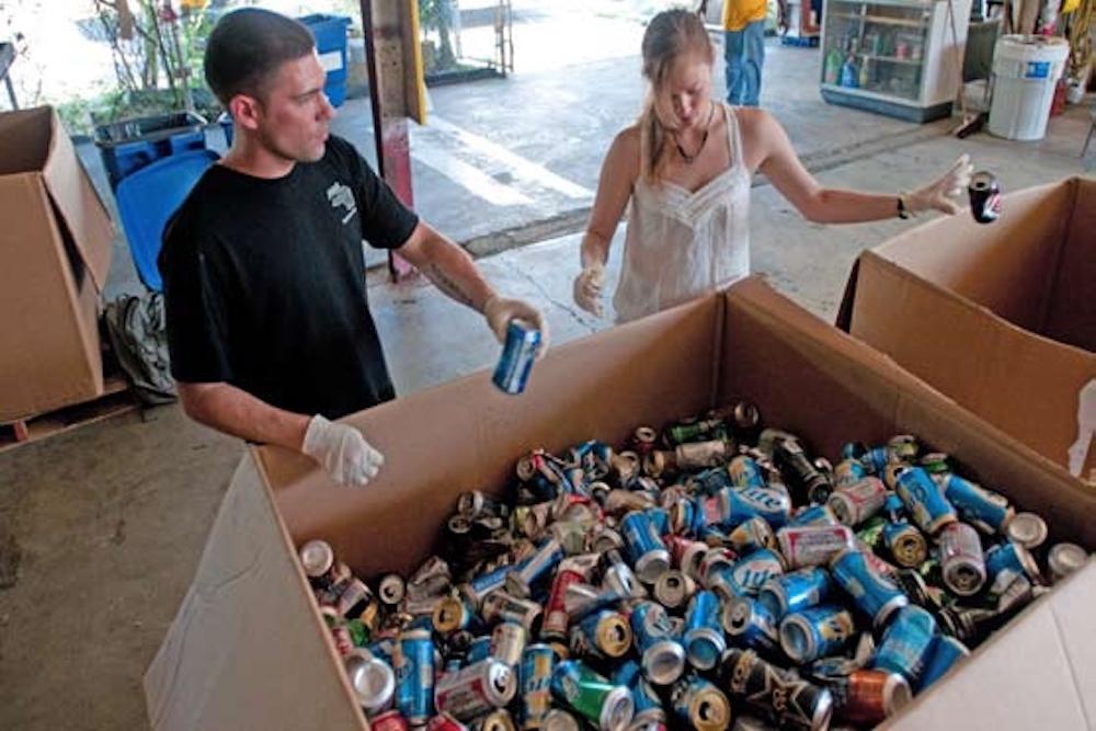 Gis volunteer and recycle cans at guantanamo