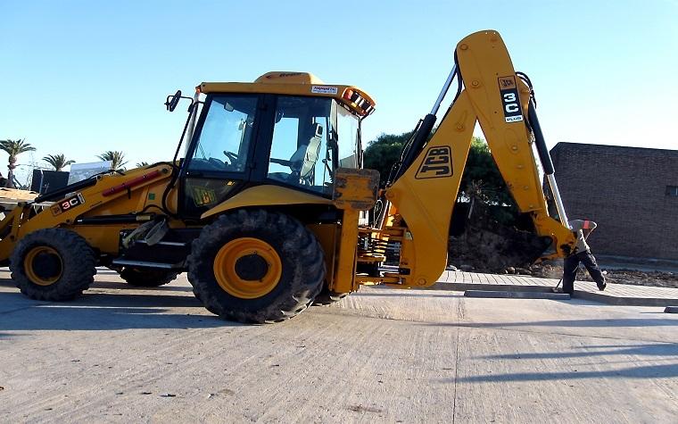 Japan will provide heavy equipment training for Kenya.