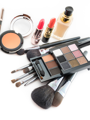 Beautycounter has named Linda Simon its chief human resources officer.