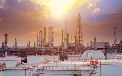 Saudi oil production falls from record highs