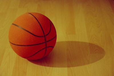 Medium basketball 1442709 639x426