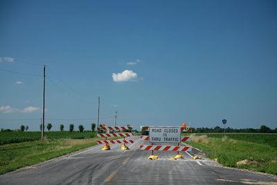 Medium roadclosed