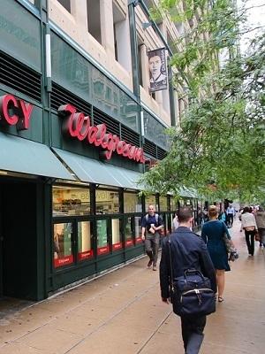 Large walgreens chicago walking