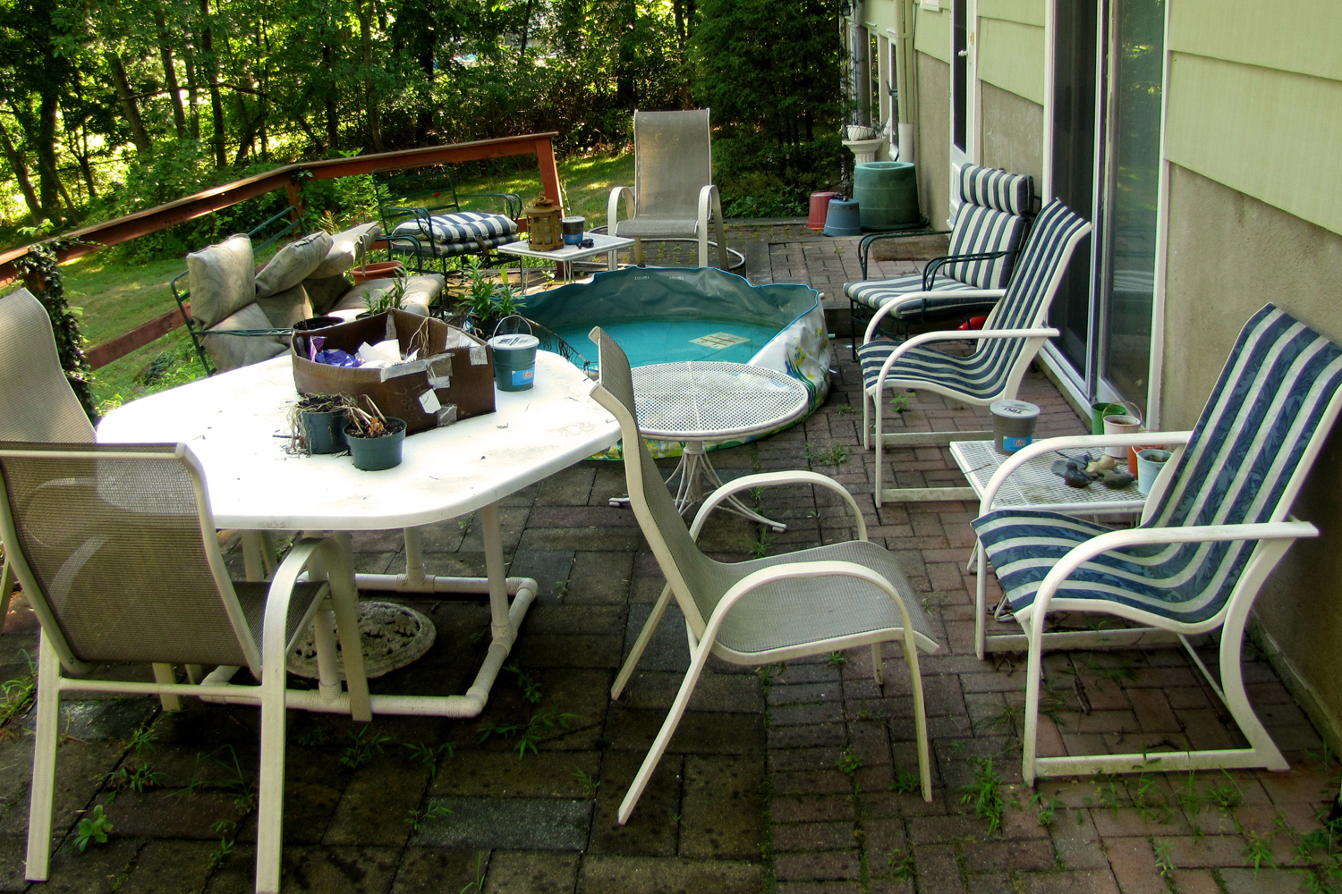 By the time fall rolls around, it's usually a good time for a patio clean-up.
