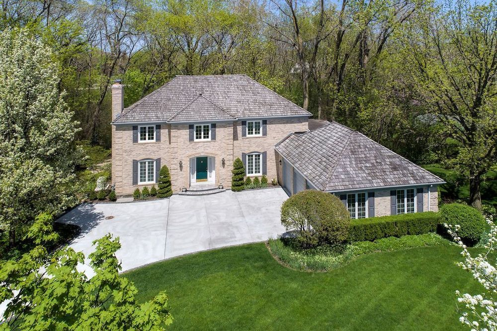 This home at 125 Boardman Court in Lake Bluff is owned by Chicago Bulls executive John Paxson and his wife, Carolyn.
