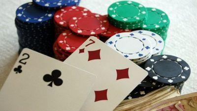 Medium poker