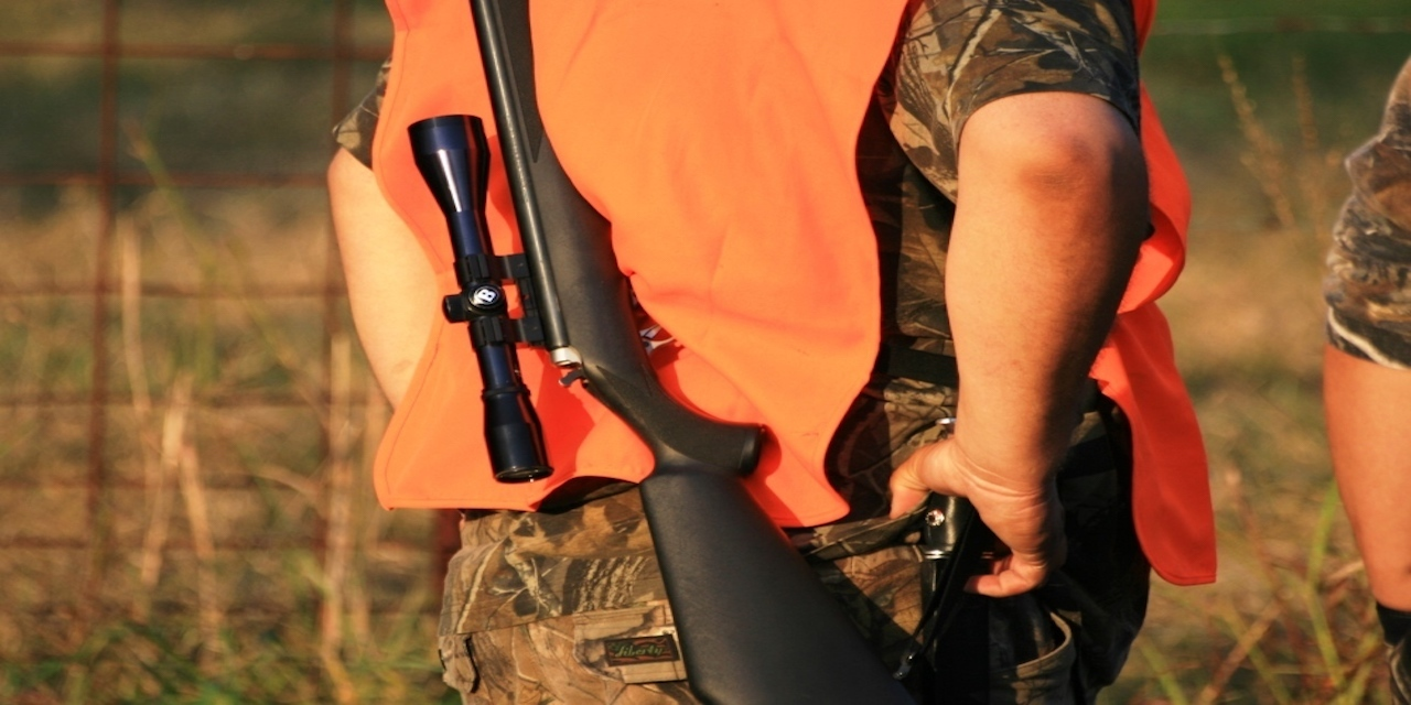 Rifle hunting 1000x667