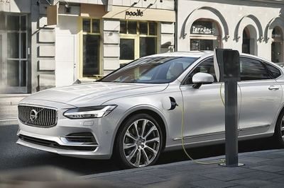 Volvo wants to build at least two hybrid versions of every model in its range.
