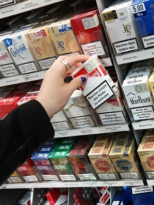 Large cigarette packs