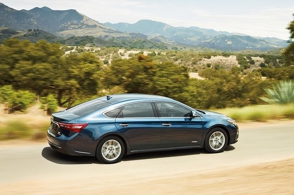 The 2016 Toyota Avalon is a crowd-pleaser, with fuel efficiency of 21 mpg in cities and 31 mpg on highways.