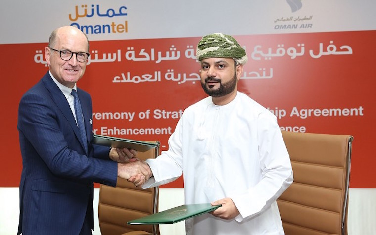 Oman Air signs partnership agreement with telecom provider Omantel