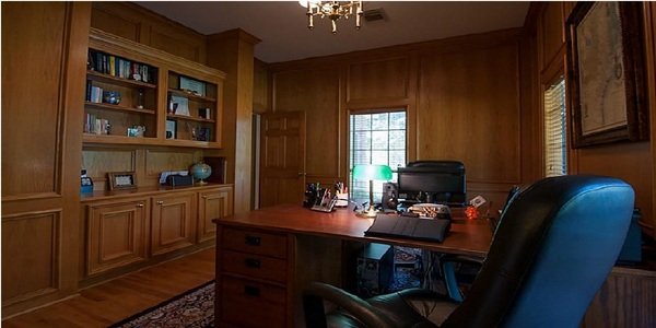 Large 12713 w shadow lake office