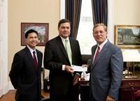 Wells Fargo grants $100,000 business scholarship.