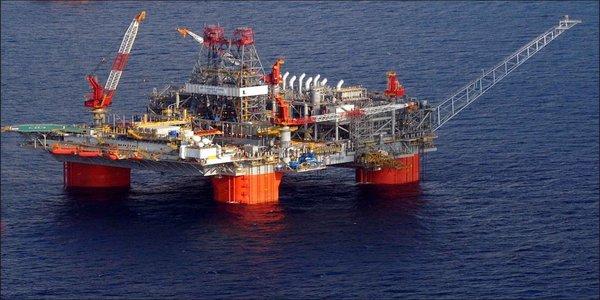 Large oildrillingrig2