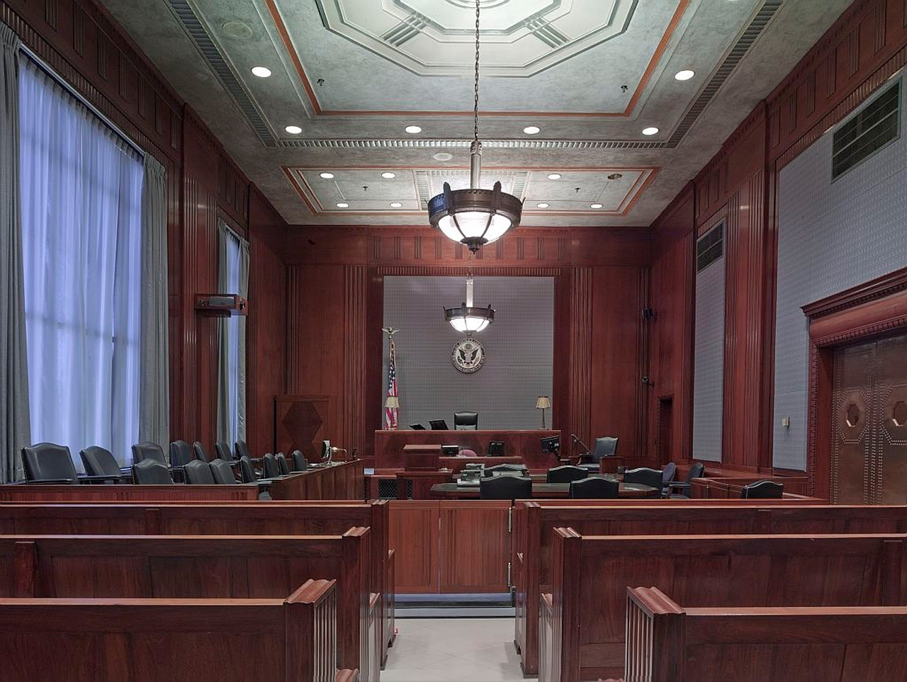 Students participate in mock trials, observe civil and criminal proceedings and take a behind-the-scenes tour of the courthouse.